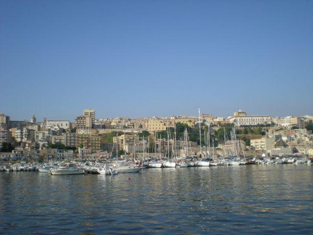 Porto di Sciacca in Sicilia - Movingitalia.it