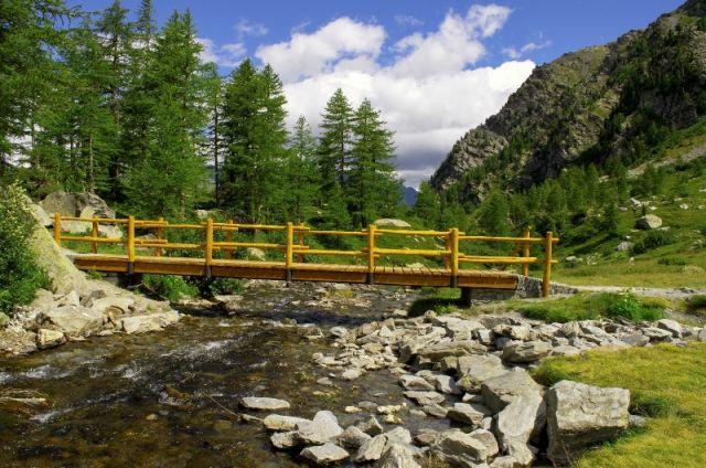 Paesaggio lago arpy Aosta