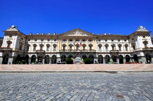 Hotel palazzo ad Aosta - Movingitalia.it