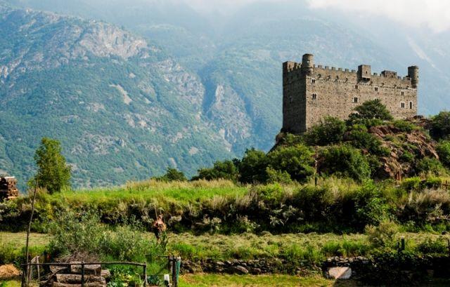 Foto panoramica al Castello di Ussel si trova in Valle d'Aosta