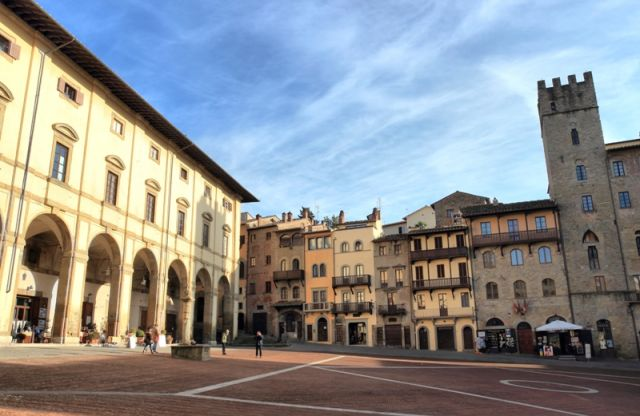 Piazza Grande - Arezzo - Movingitalia.it