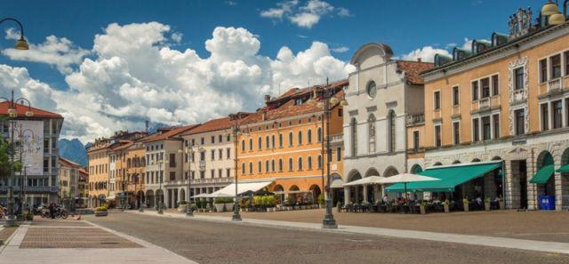 Piazza centrale a Belluno