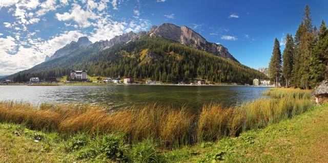 Lago di montagna Misurina