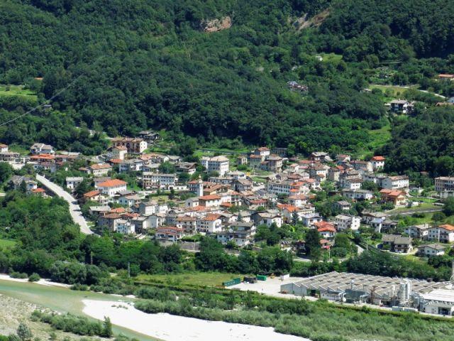 Foto panoramica della città a Longarone - Movingitalia.it
