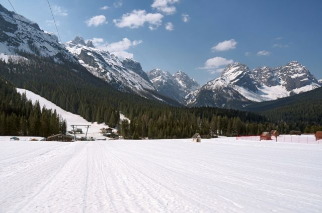 Foto panoramica pista da sci a Sappada - Movingitalia.it