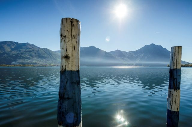 Foto panoramica lago di Iseo a Lovere a Bergamo - Movingitalia.it