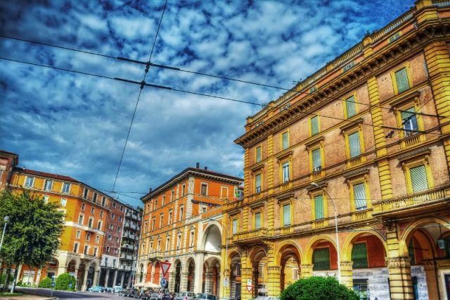 Palazzo a Bologna - Movingitalia.it