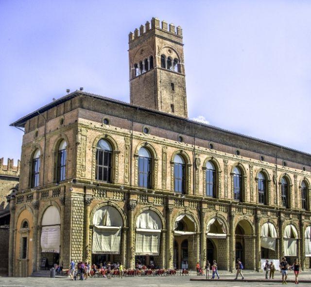 Palazzo del Podesta a Bologna - Movingitalia.it