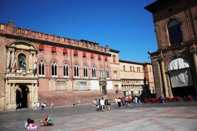 Palazzo del Podesta e Palazzo d'Accursio a Bologna - Movingitalia.it