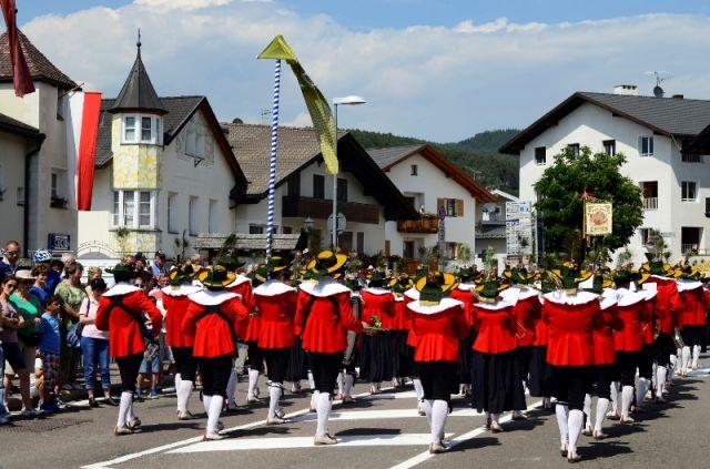 Castelrotto festival nel Trentino Alto Adige - Movingitalia.it