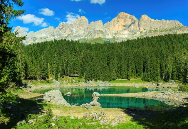 Lago di Carezza e foresta - Movingitalia.it