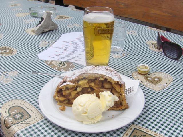 Strudel e gelato specialità albergo cavallino a San Candido - Movingitalia.it