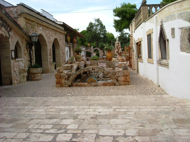 interno della tenuta Al Bano - Movingitalia.it