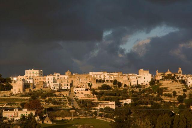 Foto panoramica della città di Cisternino
