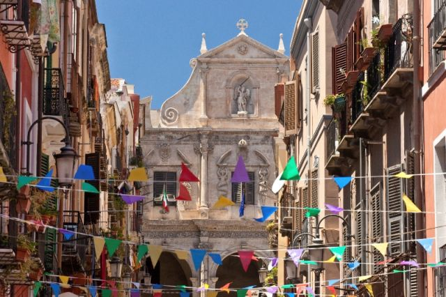 Cagliari in Festa - Movingitalia.it