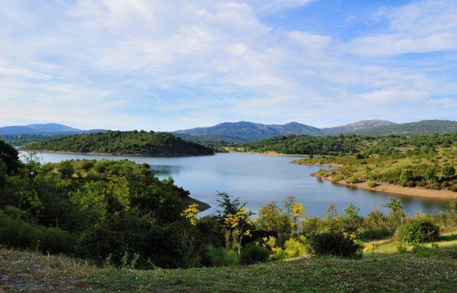 Foto panoramica del Lago di Flumendosa in Sardegna