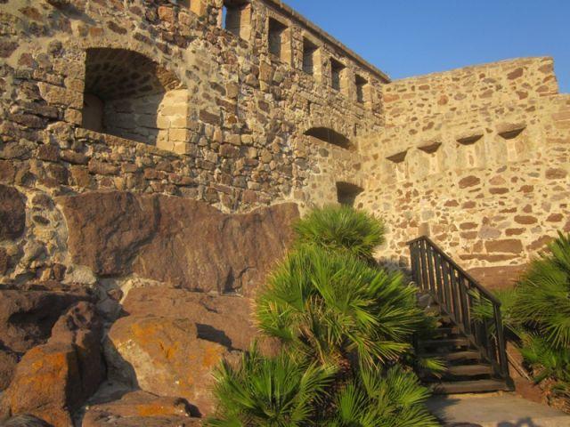 Castello a Sant'Antioco - Movingitalia.it