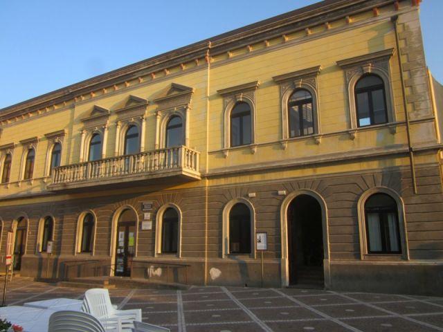 Palazzo nella città di Sant'Antioco - Movingitalia.it