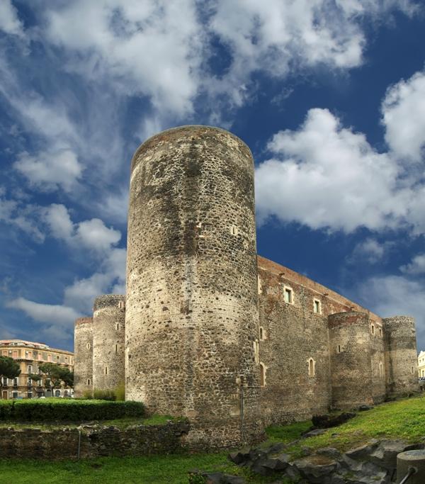 Castello Ursino o Svevo è un castello in Catania