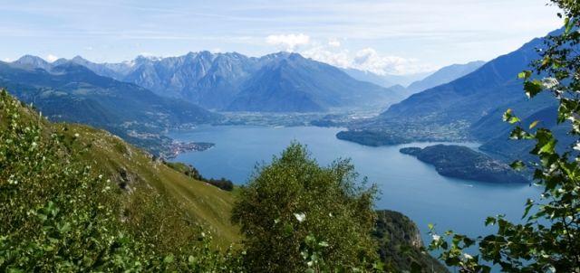 Sullo sfondo il Lago di Como - Movingitalia.it