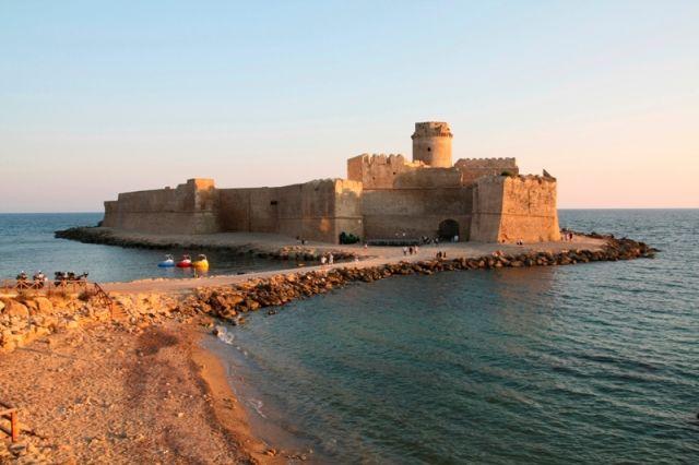 Castello sul mare, Le Castella, Capo Rizzuto