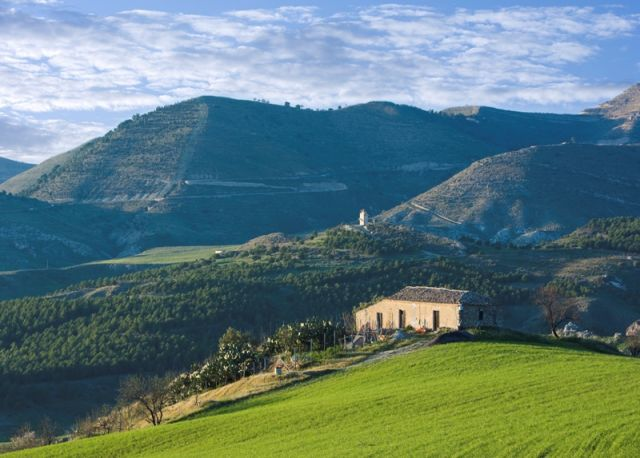 Agriturismo e colline a Centuripe - Movingitalia.it