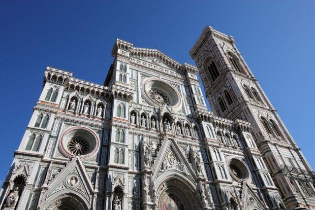 Facciata della Cattedrale di Firenze - Movingitalia.it