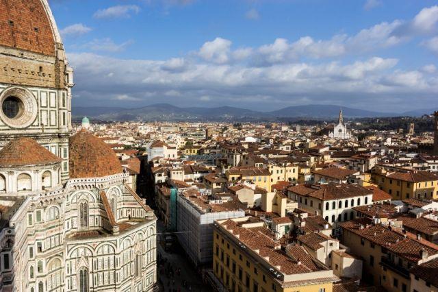 Foto panoramica e cielo a Firenze - Movingitalia.it
