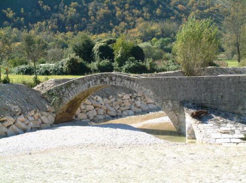 Ponte Romano in località Casal delle Mole a Casalvieri - Movingitalia.it