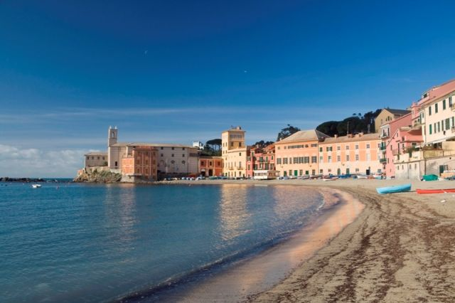 Baia del silenzio e lungomare in Liguria
