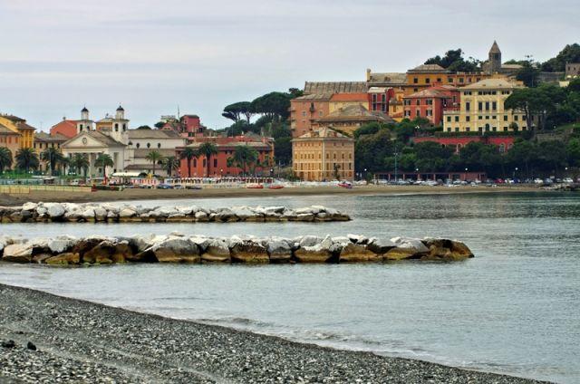 Sestri levante spiaggia e mare in Liguria