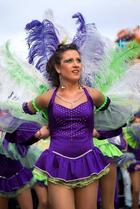Il partecipante nella sfilata del carnevale tradizionale di Diano Marina Imperia