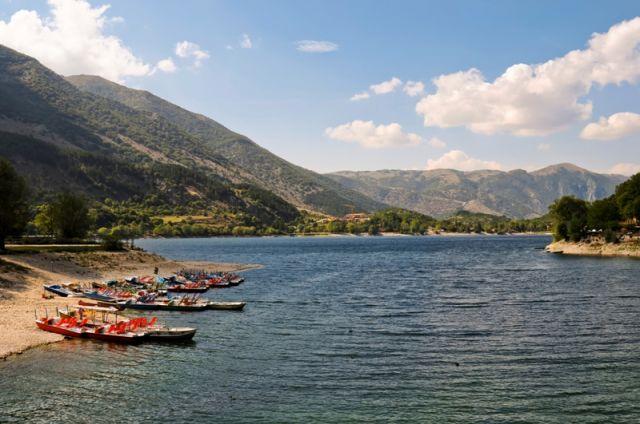 Lago di Scanno in Abruzzo - Movingitalia.it