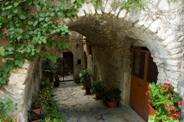 Fiori a Castelforte - Movingitalia.it