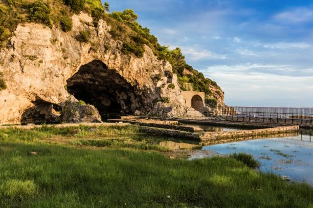 Grotta e villa di Tiberius a Sperlonga - Movingitalia.it