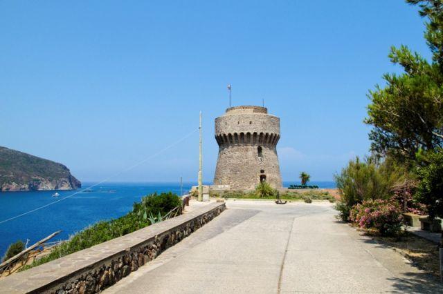 Isola sulla Torre di Capraia a Livorno - Movingitalia.it