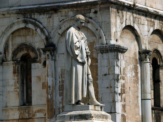 Statua di Francesco Burlamacchi in Toscana