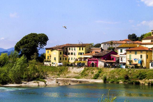 Città di Lucca e Fiume Serchio - Movingitalia.it