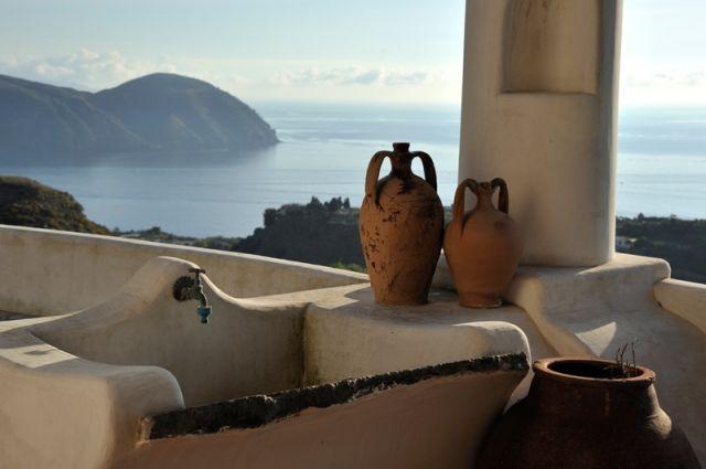 Foto di una casa tipica sull'Isola di Lipari in Sicilia