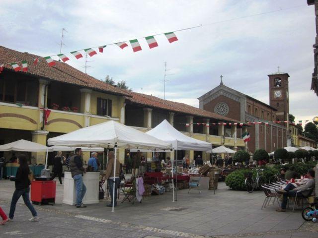 Mercatino antiquariato a Magenta - Movingitalia.it