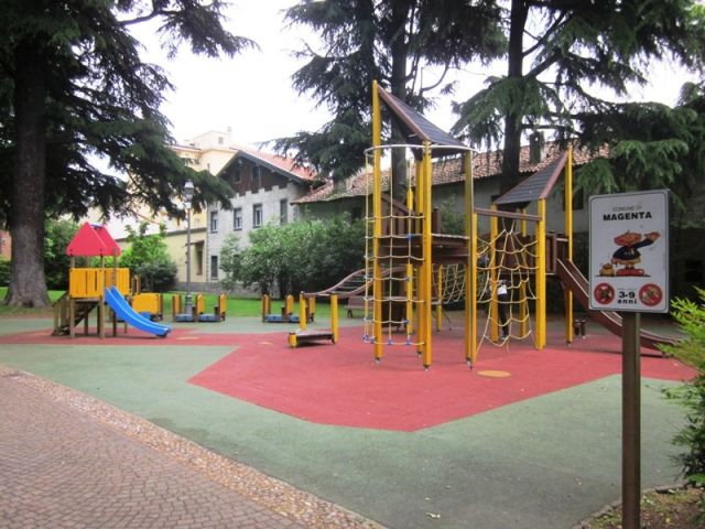 parco giochi all'aperto a Magenta - Movingitalia.it
