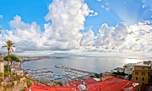 Foto panoramica di Posillipo a Napoli