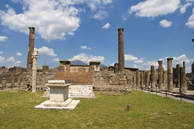 Monumenti a Pompei - Movingitalia.it