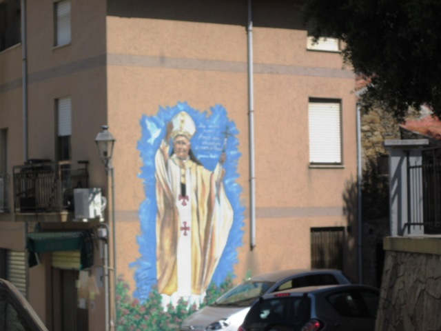 Lodè murales del Papa Wojtyla - Movingitalia.it