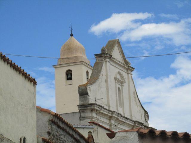 Campanile chiesa a Orosei - Movingitalia.it