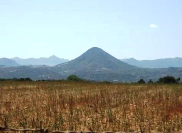 Vista delle montagne a Bari Sardo