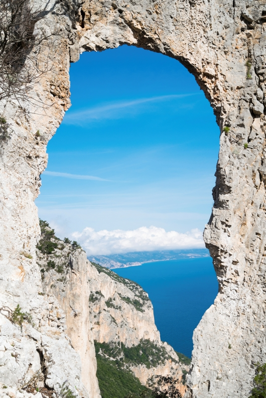 Arco naturale a Baunei - Movingitalia.it