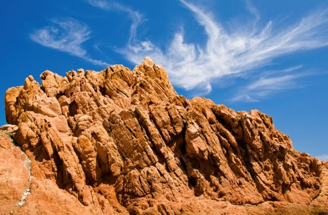 Foto panoramica rocce rosse a Tortolì Sardegna - Movingitalia.it