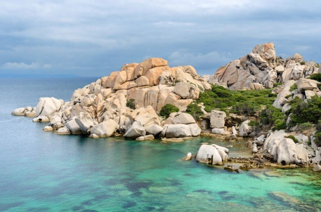Mare e rocce a Santa Teresa di Gallura in Sardegna - Movingitalia.it