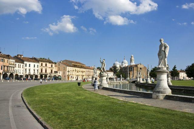 Canale piazza pubblica Padova - Movingitalia.it